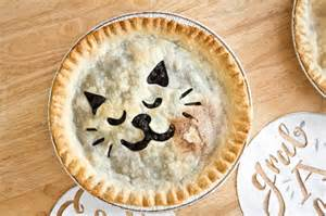 cat design crust